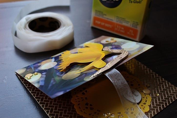 3d-photo-daffodil-card-opened.jpg