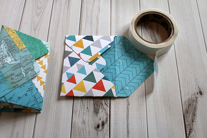 gift-card-wallet-ultra-thin-glue-dots-underside-envelope-flap.jpg