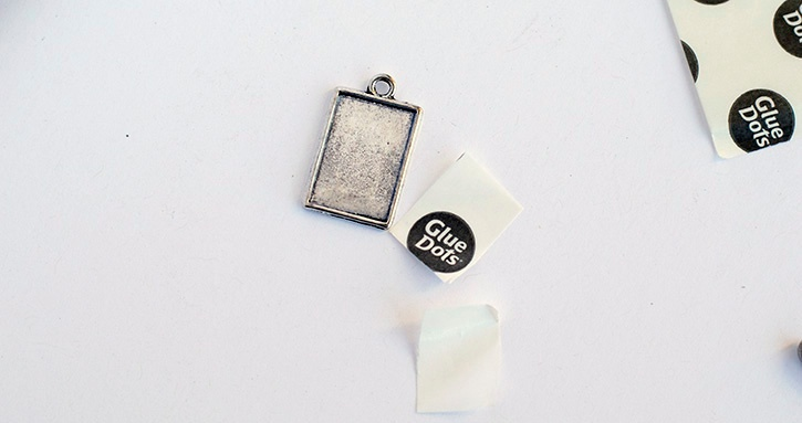 glue-dots-sequin-charm-advanced-strength-cut-to-size-sheet-and-charm.jpg