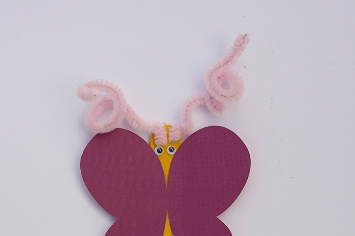 craft-glue-dots-butterfly-puppet-pipe-cleaner-antennae.jpg