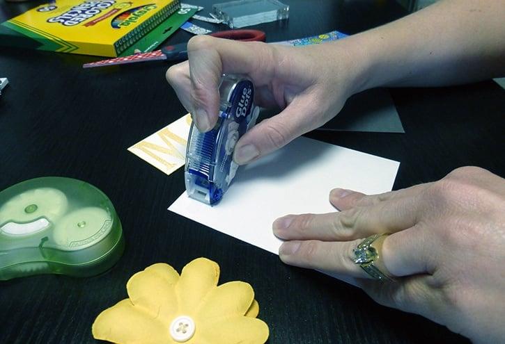 glue-dots-colored-mothers-day-card-gluetape.jpg