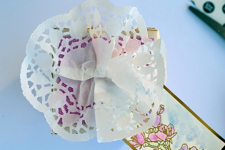 doily-flower-decorative-gift-box-doily-flower-gift-tag.jpg