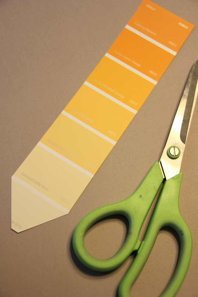 pencil-paint-chip-garland-back-to-school-step1.jpg
