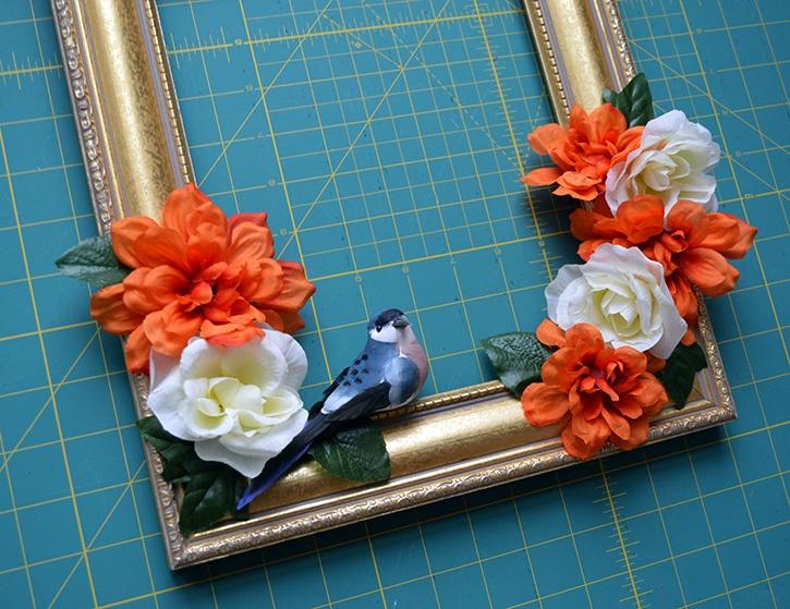front-door-decor-diy-flower-bird-frame-close-up.jpg