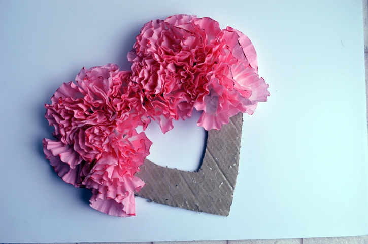 valentines-day-coffee-filter-wreath-assembly.jpg