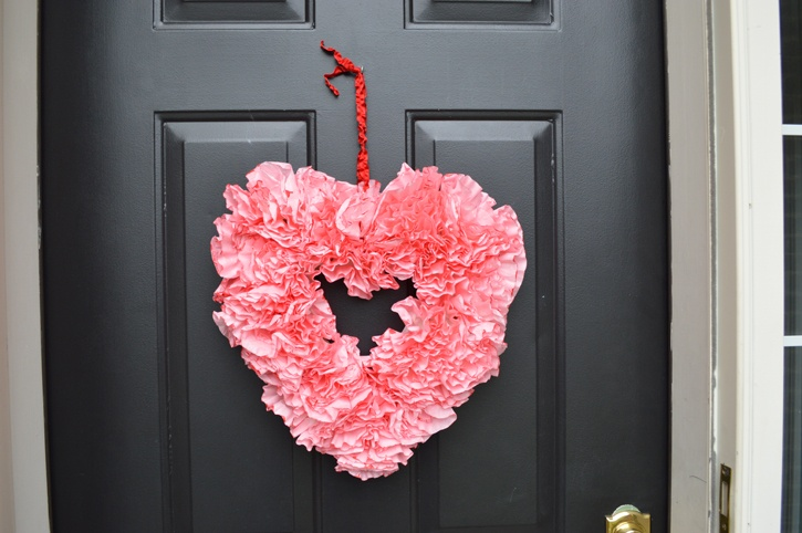 valentines-day-coffee-filter-wreath-featured.jpg
