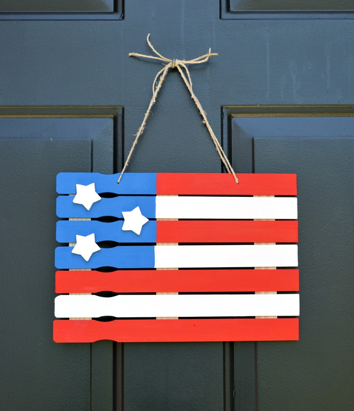 fourth-of-july-paint-stick-flag-featured.jpg
