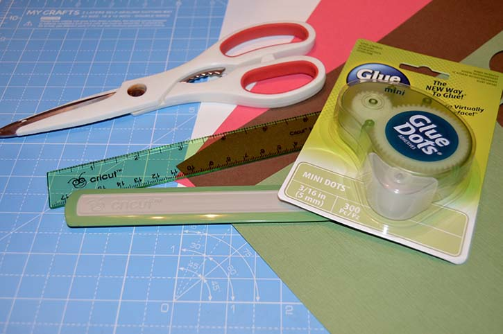 glue-dots-spiral-apple-card-back-to-school-supplies.jpg