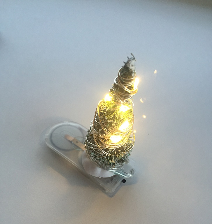 glue-dots-rustic-lighted-ornament-led-lights-wrapped-around-tree.jpg