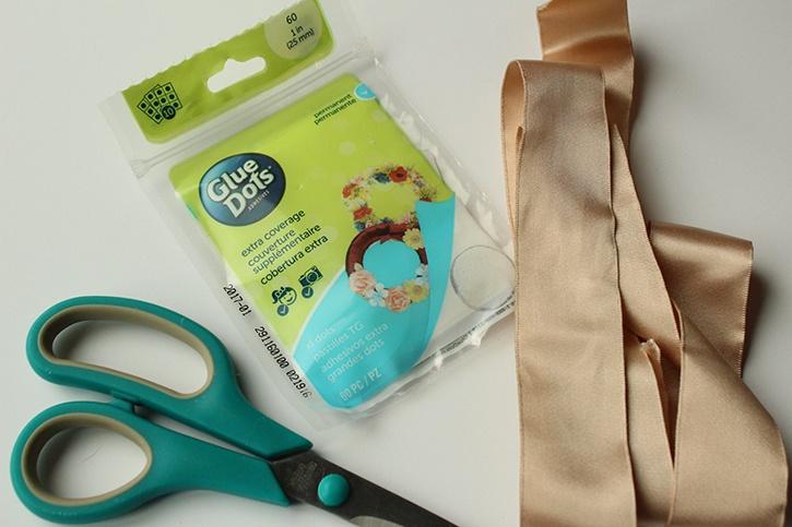 xl-glue-dots-bow-tutorial-supplies.jpg
