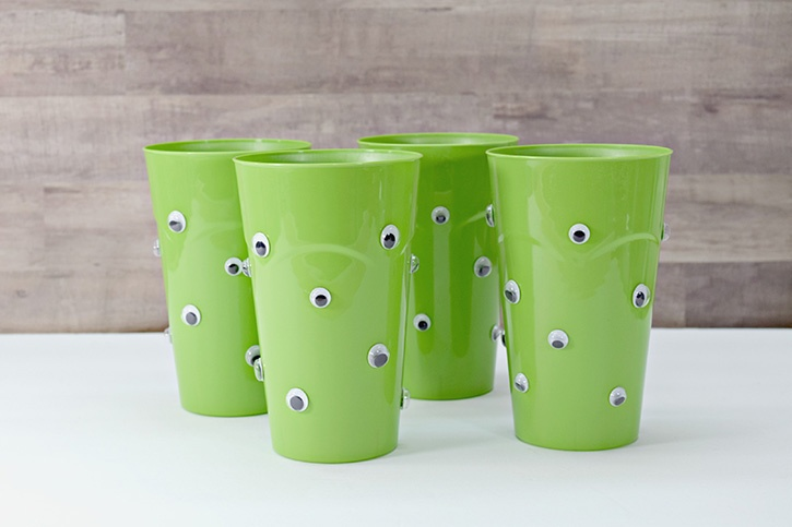 glue-dots-halloween-party-punch-bowl-wiggle-eye-cups-complete.jpg