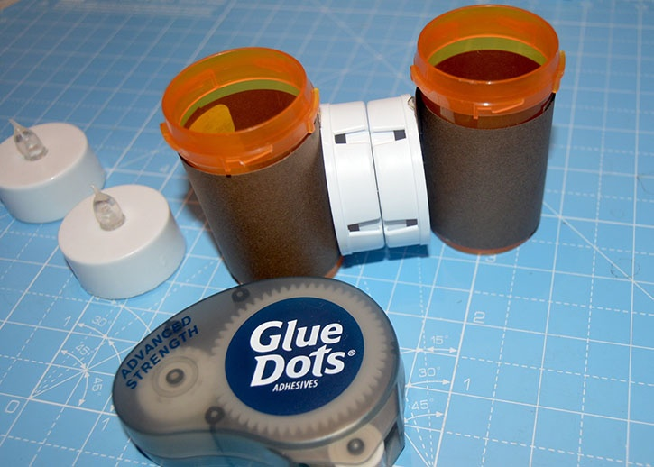 glue-dots-halloween-spooky-eyes-put-together.jpg