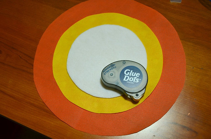 glue-dots-candy-corn-oly-fun-banner-circles.jpg