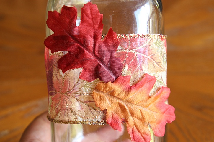 glue-dots-thanksgiving-thankful-jar-leafs-glued-to-ribbon.jpg