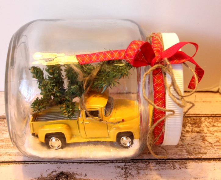 glue-dots-holiday-decor-christmas-tree-truck-in-jar-by-robyn-power.jpg