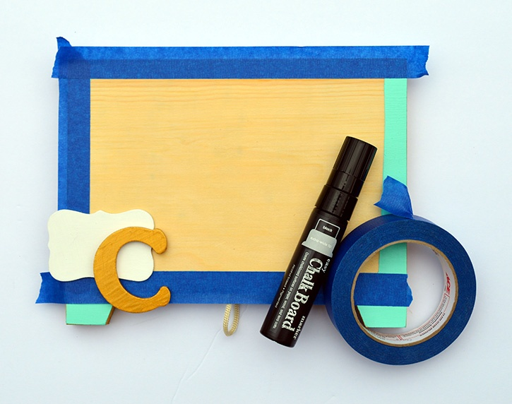 Glue-Dots-Marvy-Chalkboard-mask