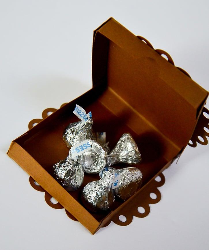 Glue-Dots-Marvy-Treat-Box-treats