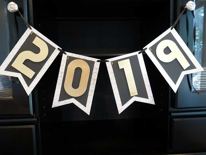 Glue-Dots-NYE-banner-feature