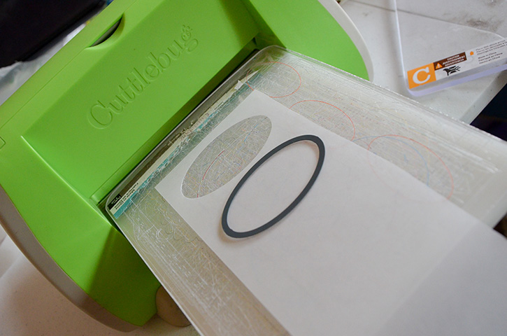 Glue-Dots-New-Years-Treat-Box-cuddlebug