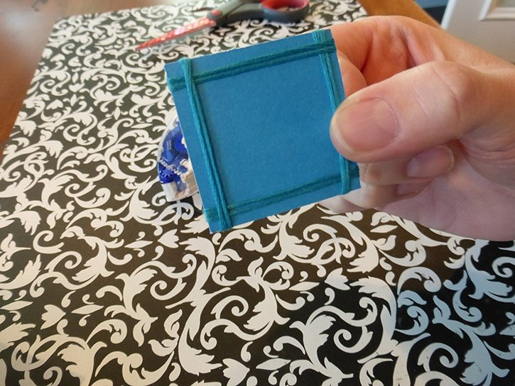 Glue-Dots-Christmas-Tree-card-square