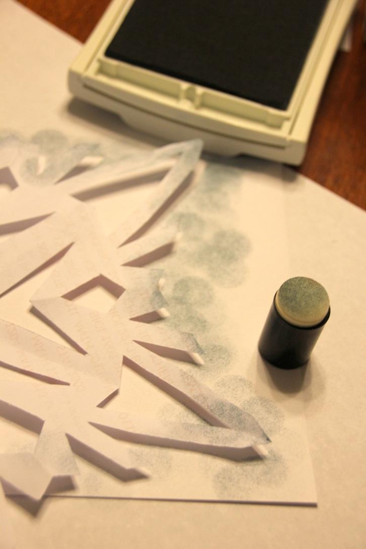 Glue-Dots-Snowflake-Card--painting