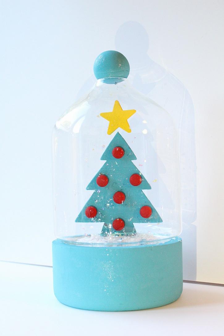 Glue-Dots-Danielle-Hunter-Retro-Inspired-Christmas-Terrarium-finsihed2