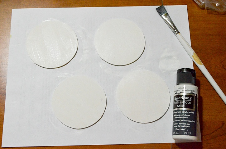 Glue-Dots-Holiday-Banner-paint