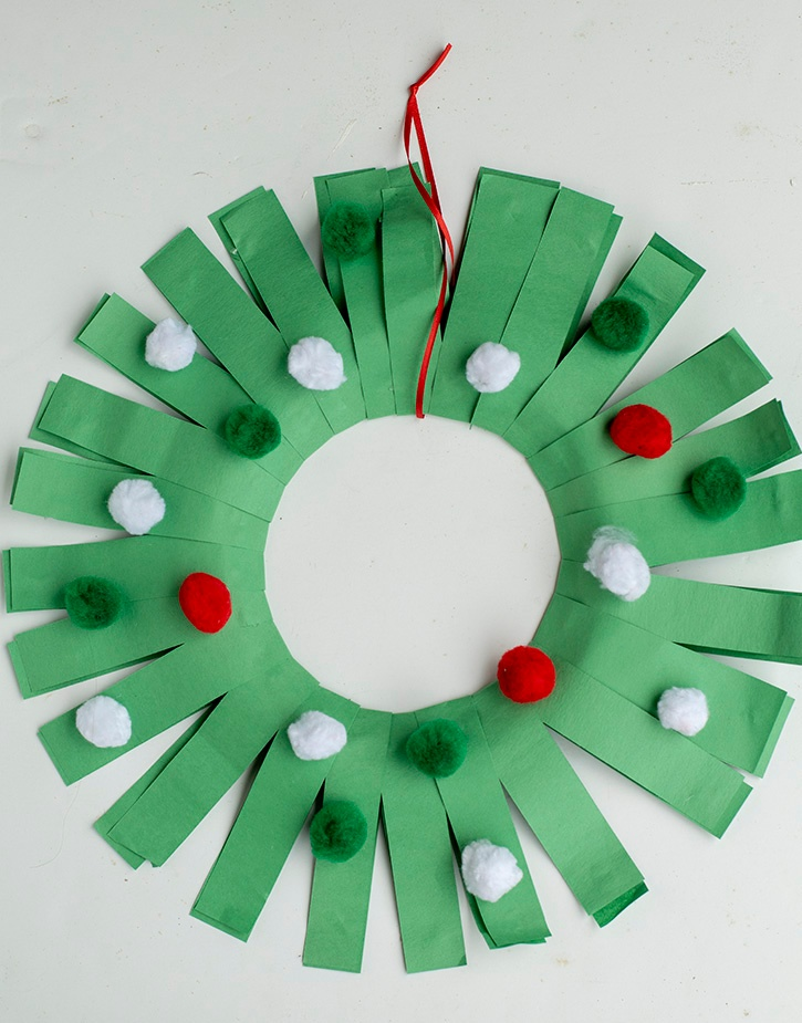 Glue-Dots-Paper-Holiday-Wreath-finished