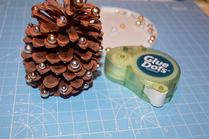 Glue-Dots-Pinecone-Ornament-Mini