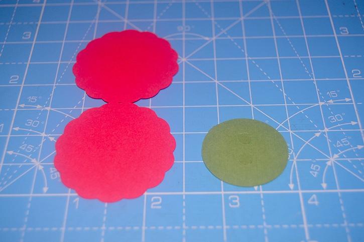 Glue-Dots-Reindeer-Candy-Topper-assemble1