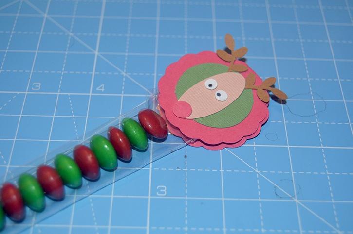 Glue-Dots-Reindeer-Candy-Topper-close
