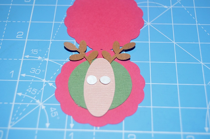 Glue-Dots-Reindeer-Candy-Topper-eyes