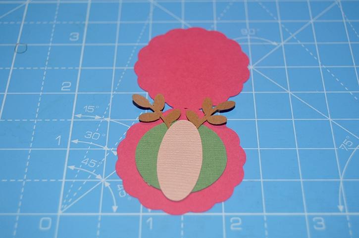 Glue-Dots-Reindeer-Candy-Topper-head