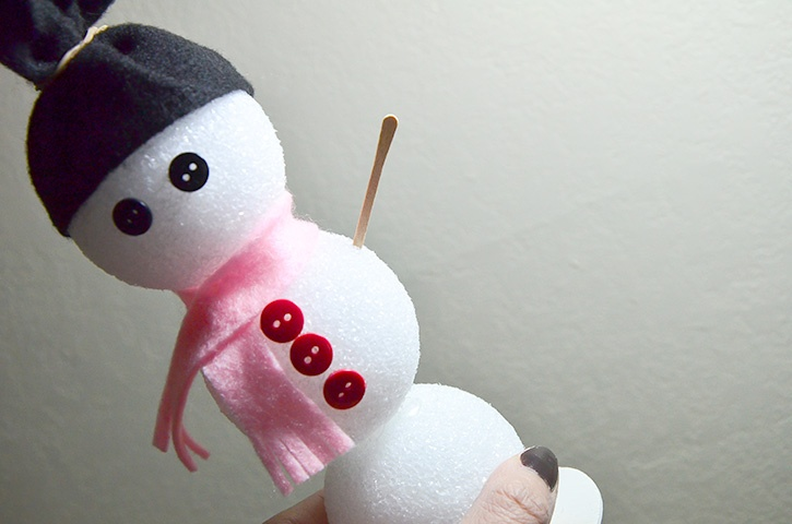 Glue-Dots-Styrofoam-Snowman-arms
