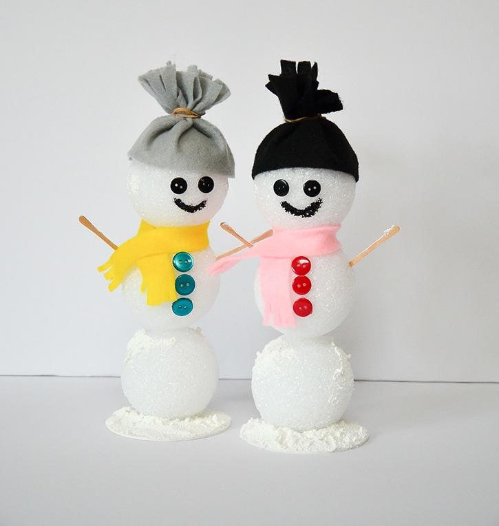 Glue-Dots-Styrofoam-Snowman-finsihed