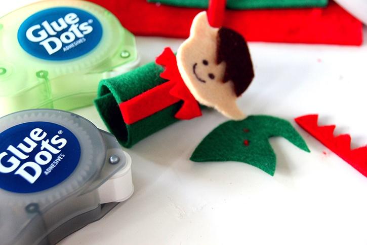 glue-dots-christmas-felt-finger-puppets-elf-puppet.jpg