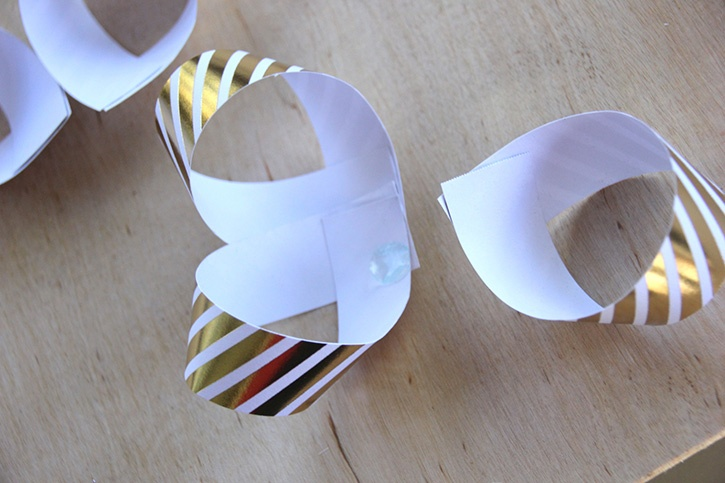 glue-dots-paper-gift-bow-loops-layering.jpg