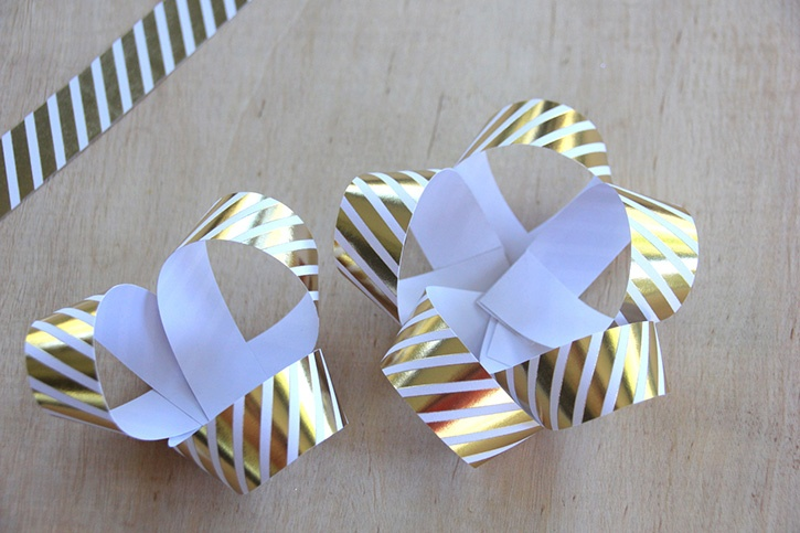 glue-dots-paper-gift-bow-loops-second-layer.jpg