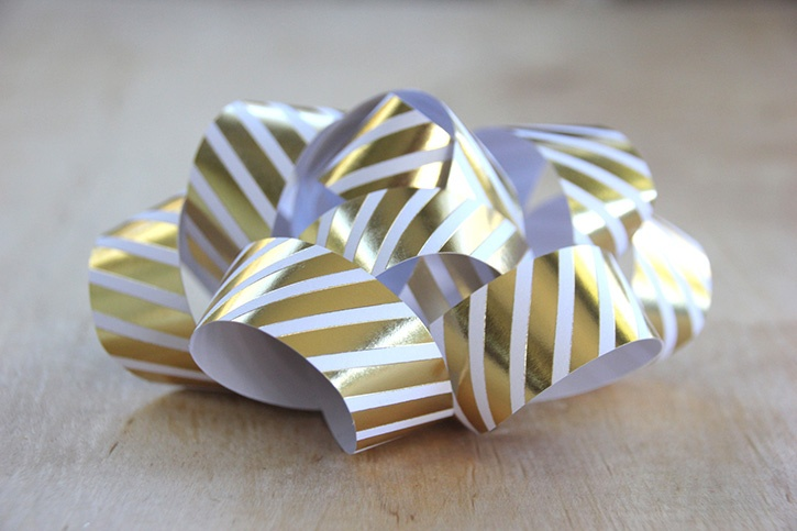 glue-dots-paper-gift-bow-side-view.jpg