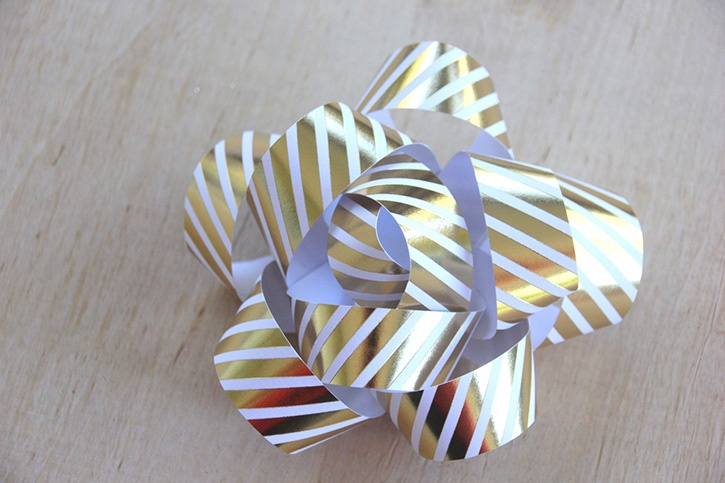 glue-dots-paper-gift-bow.jpg