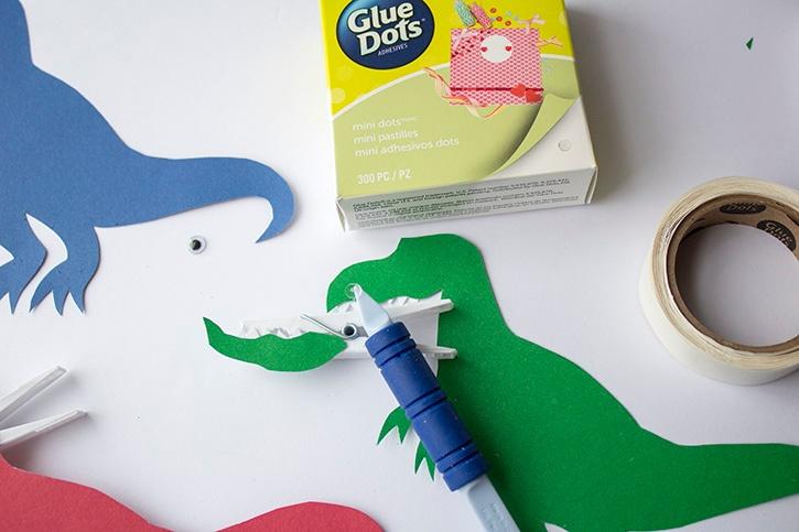 T-Rex Kids Craft clothespin step (2)
