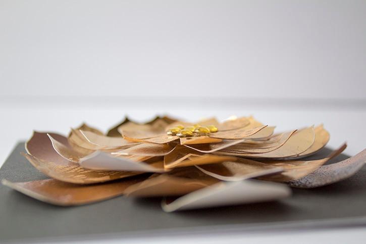 3D Gold Floral Wedding Card close-up (2)