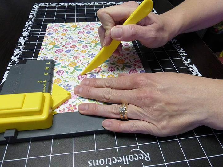 Glue-Dots-Mom-Treat-Bag-scor