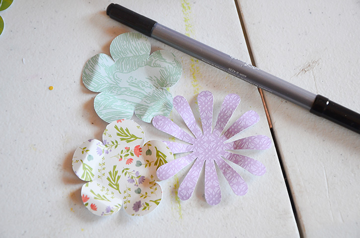 Glue-Dots-Purse-Treat-Bag-flowers-roll