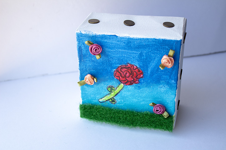 Glue-Dots-Mini-Canvas-finished