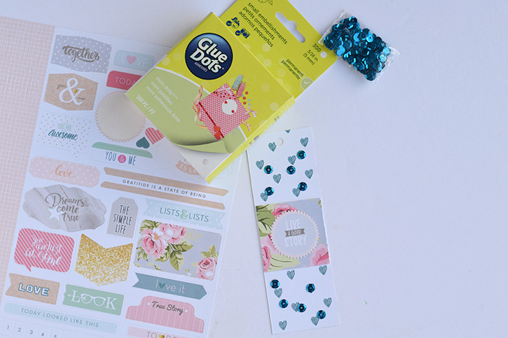 Glue-Dots-Websters-Pages-Sequin-Bookmark-mini