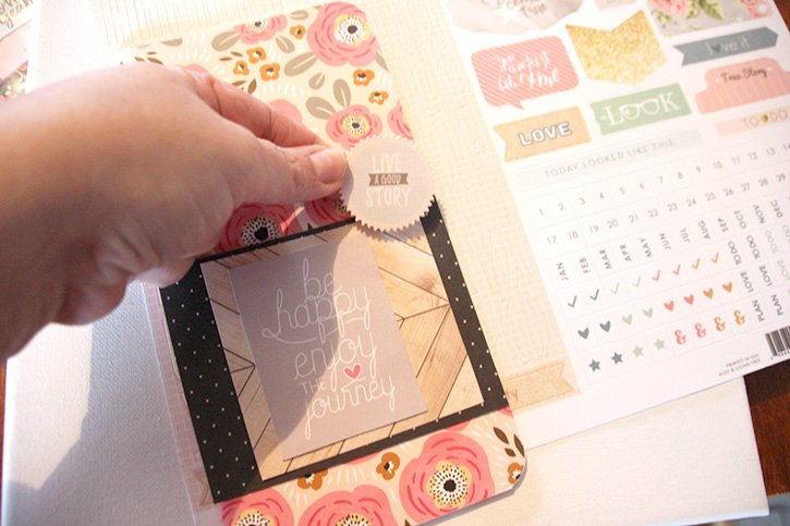 Glue-Dots-Websters-Pages-Travelers-Notebook-attach