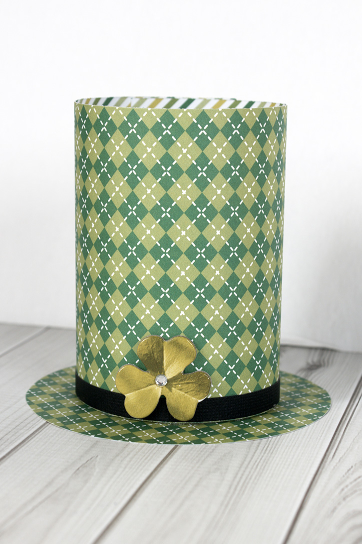 Glue-Dots-St.Paddy-Day-Favor-Holder-finished