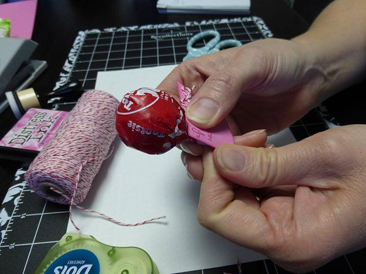 Glue-Dots-Happy-Heart-apply