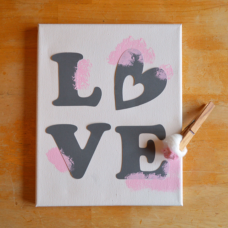 Glue-Dots-LOVE-canvas-process